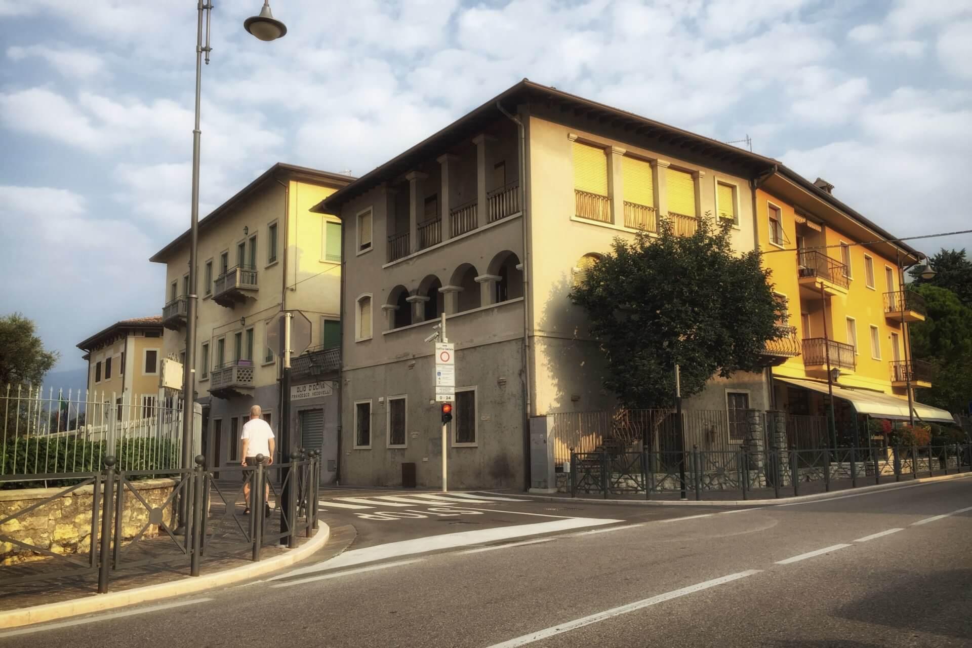 Torri del Benaco: Casa ad archi