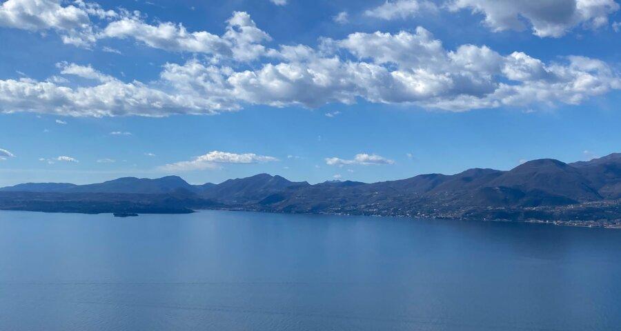 Baugrundstück mit Traumblick über den See